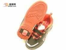 校园流行暴走鞋 危害学生身体健康