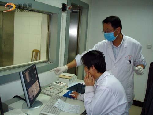 脊柱肿瘤的闭合活检方法