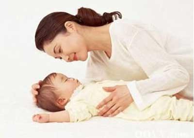 婴儿打鼻鼾是怎么回事?