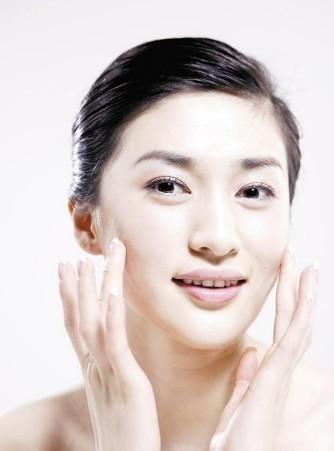 皮肤容易干燥,怎么样才能保湿呢