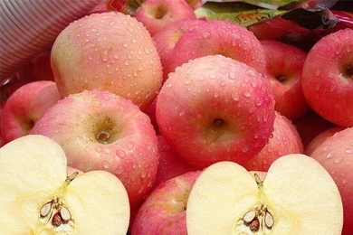 多吃苹果皮肤能保湿吗