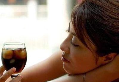 酒精肝的常见症状