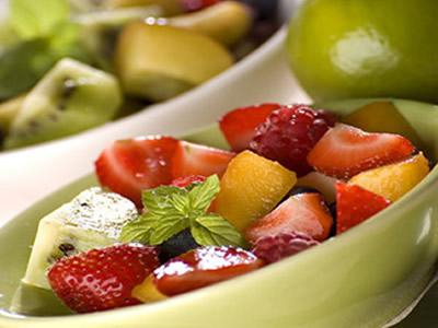 糖友注意,糖尿病肾病患者夏季吃水果有讲究