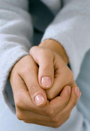 保持手脚干燥清爽,减少感染灰指甲,怎么治效果更好